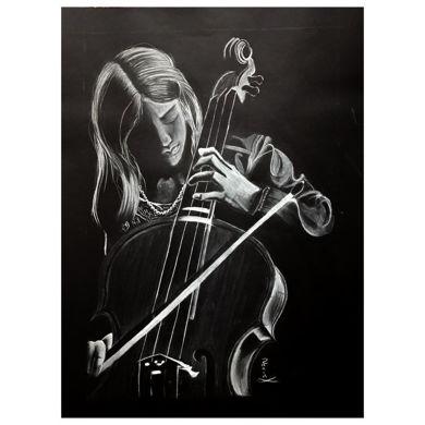 تصویر از نقاشی دختر و ویولن با مداد کنته سفید