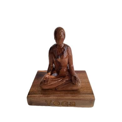 تصویر از مجسمه چوبی فیگور یوگا