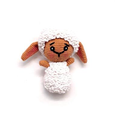 تصویر از عروسک گوسفند بافتنی