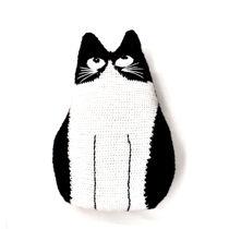 تصویر از کوسن گربه بافتنی