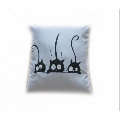 تصویر از کوسن پارچه ای سه گربه با نقاشی ضد آب