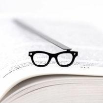 تصویر از نشان کتاب طرح glasses