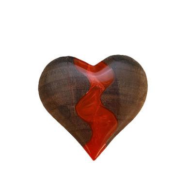 تصویر از گردنبند قلب چوب و رزین Q3