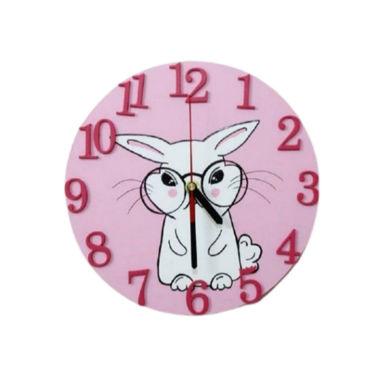 تصویر از ساعت دیواری چوبی